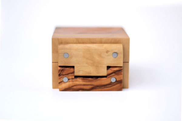 Olive ring box - hinges